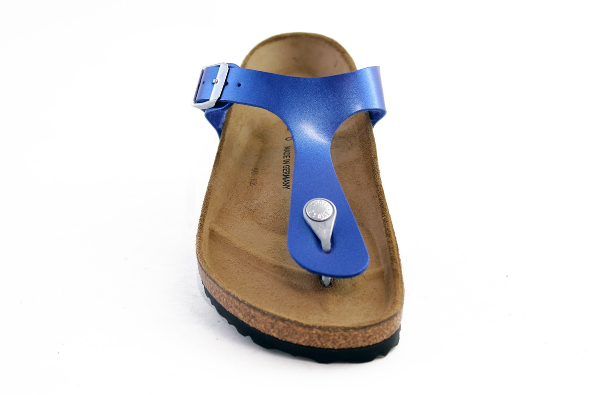 dcec7f6f74d The modern thong sandal from Birkenstock. The Gizeh is an addictive classic  with signature support and a refined  minimalist style.