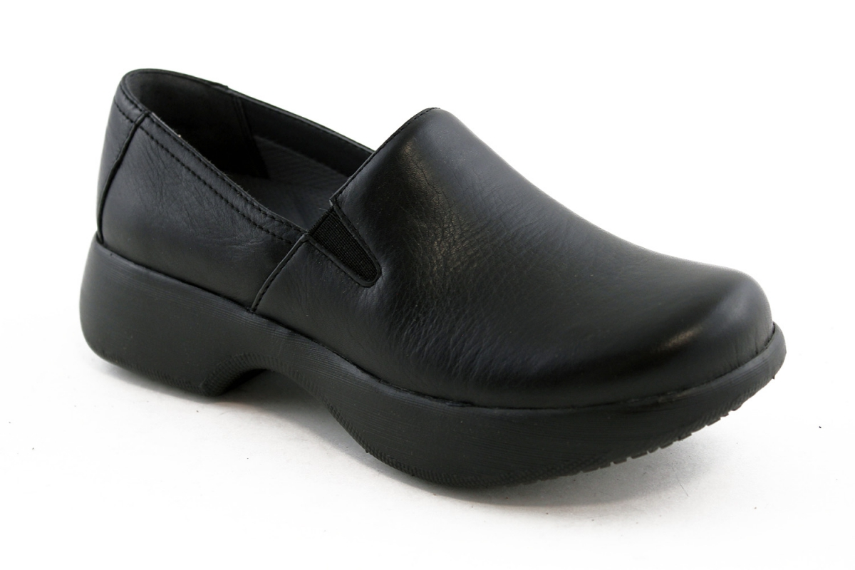 1d1365553161ec The sleek Winona is fitted with slip-resistant rubber pads